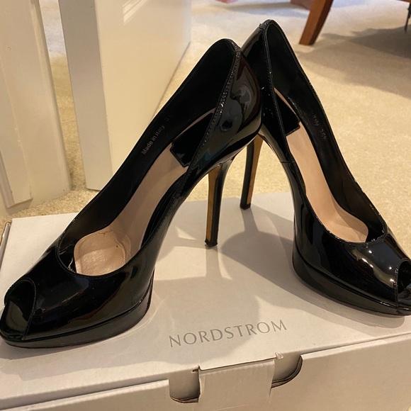 Christian Dior black patent leather peep toe Pumps